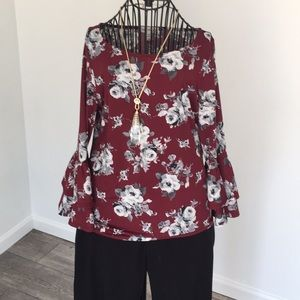 Tops - Floral exaggerated bell sleeve top size mp